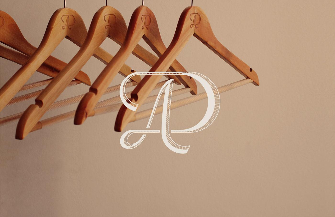 Outfit Branding Dominique Aimée Clothes Hangers